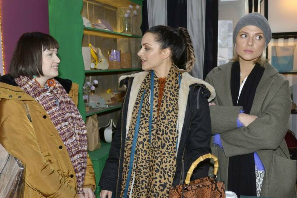 Karla (v.l.) versucht alles, um die Freundschaft zwischen Emily und Sunny zu zerstören.