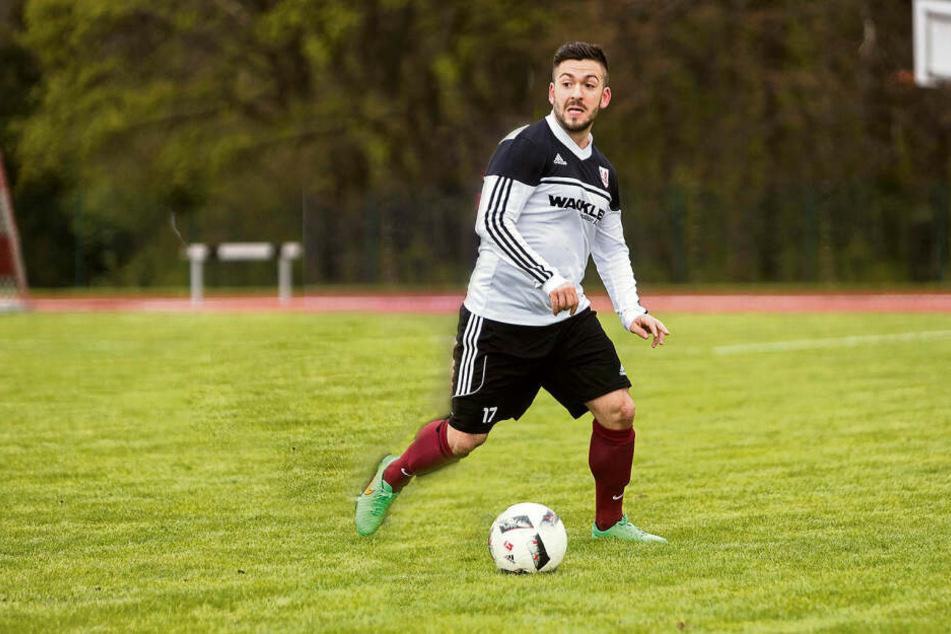 Im Beruf ist er Bereitschaftspolizist, in der Freizeit Mittelfeldspieler. Am Wochenende war Yves Morgenstern (29) als Lebensretter im Einsatz.