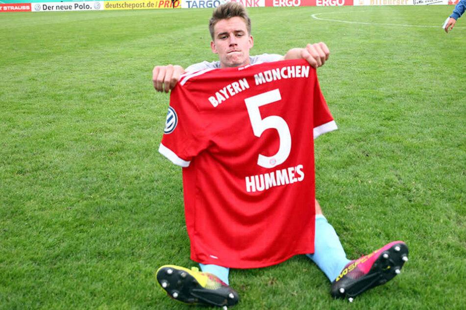 Spiel verloren, Trophäe ergattert: CFC-Profi Florian Hansch.
