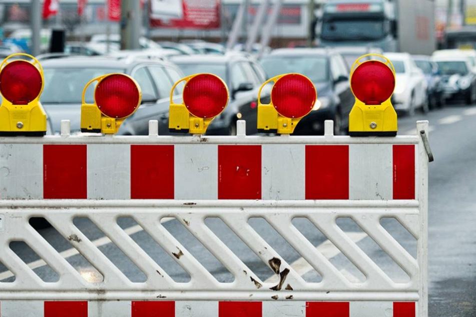 Durch die Bauarbeiten ist die Tauchaer Straße noch voraussichtlich eine Woche lang gesperrt (Symbolbild).
