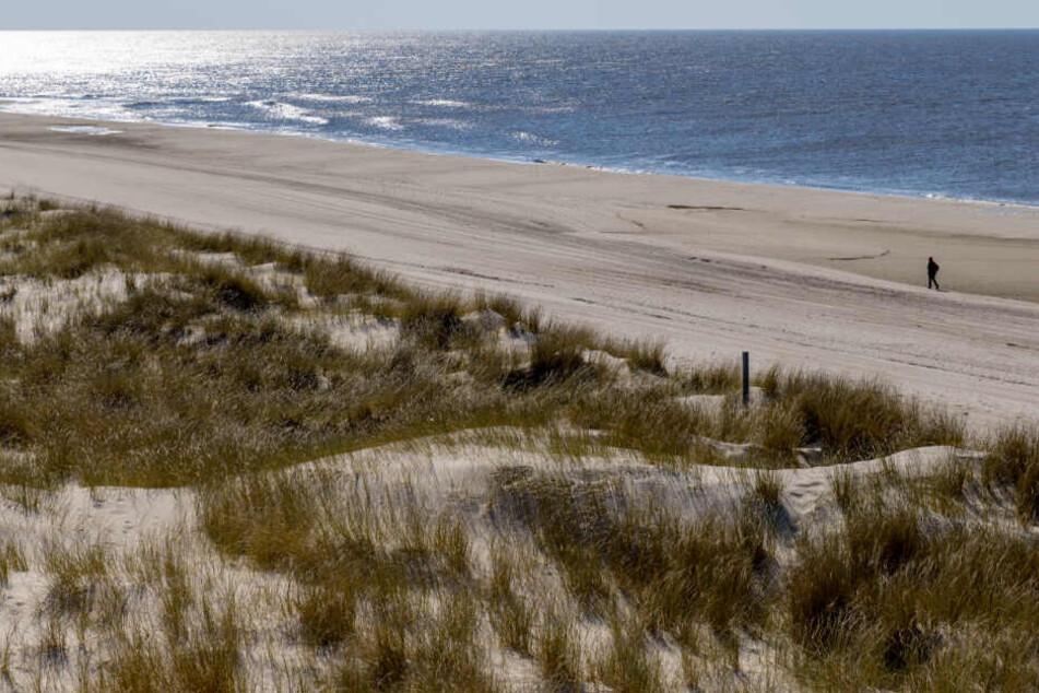 An den Stränden von Sylt werden jedes Jahr rund eine Million Kubikmeter Sand weggespült.