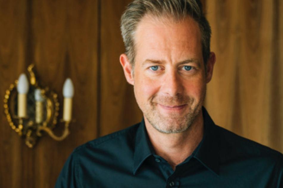 Leonard Diepenbrock (48) ist als RTL-Moderator bekannt geworden und wagte sich nun an sein erstes Buch als Autor.