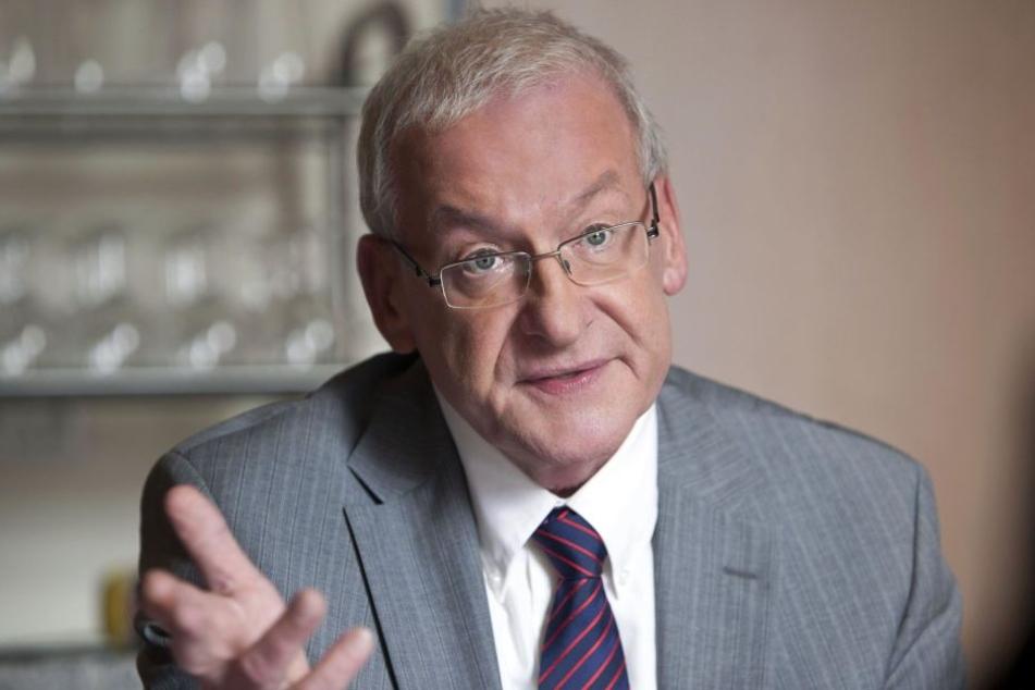 Beim Fall Nadja Abd el Farrag (53) weiß sogar RTL-Schuldnerberater Peter Zwegat (68) nicht mehr weiter.