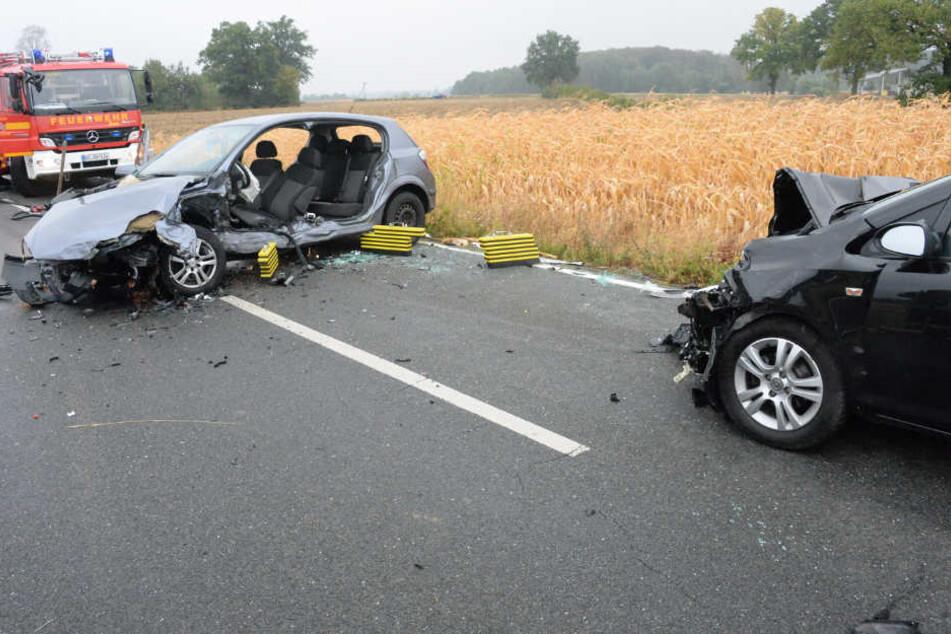 Die fordere und die hintere Tür des Opel Astra mussten zur Fahrer-Befreiung entfernt werden.