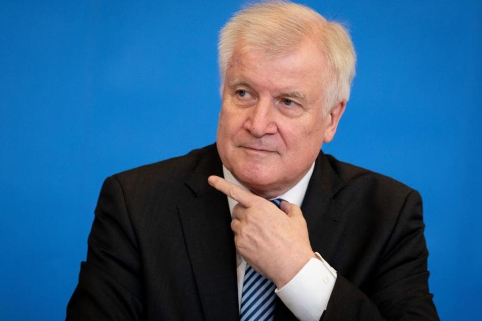 Schwere Vorwürfe gegen Bundesinnenminister Horst Seehofer (69, CSU).