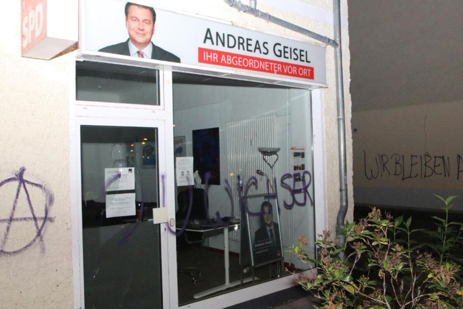 Auf das Bürgerbüro von Andreas Geisel ist ein Anschlag verübt worden.