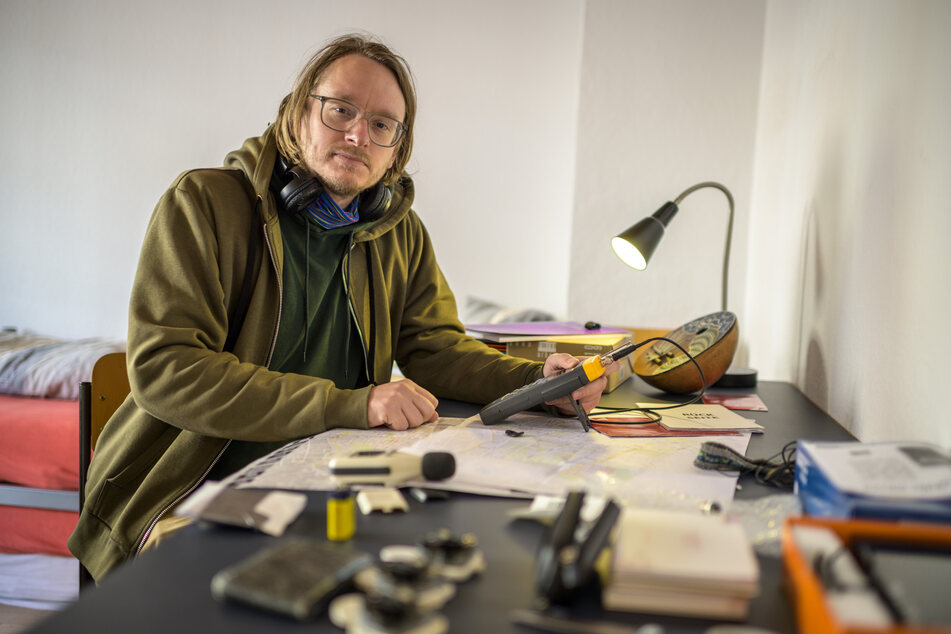 Der Klangkünstler Heiko Wommelsdorf (38) ist für sechs Wochen von Hamburg auf den Sonnenberg gezogen, um an einer Sound-Installation zu arbeiten.