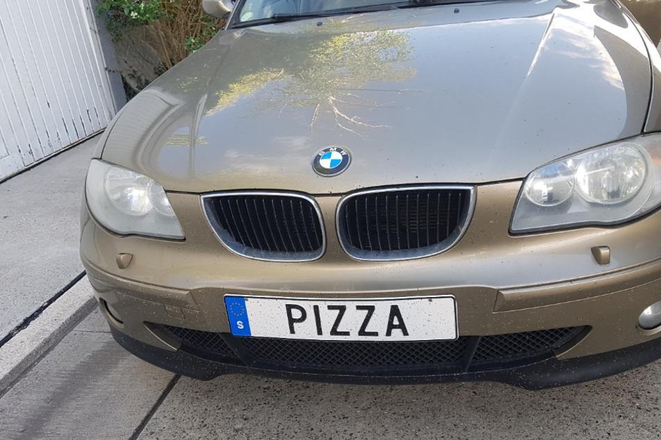 """Die Polizei zog den BMW-Fahrer mit dem """"Pizza""""-Kennzeichen aus dem Verkehr."""