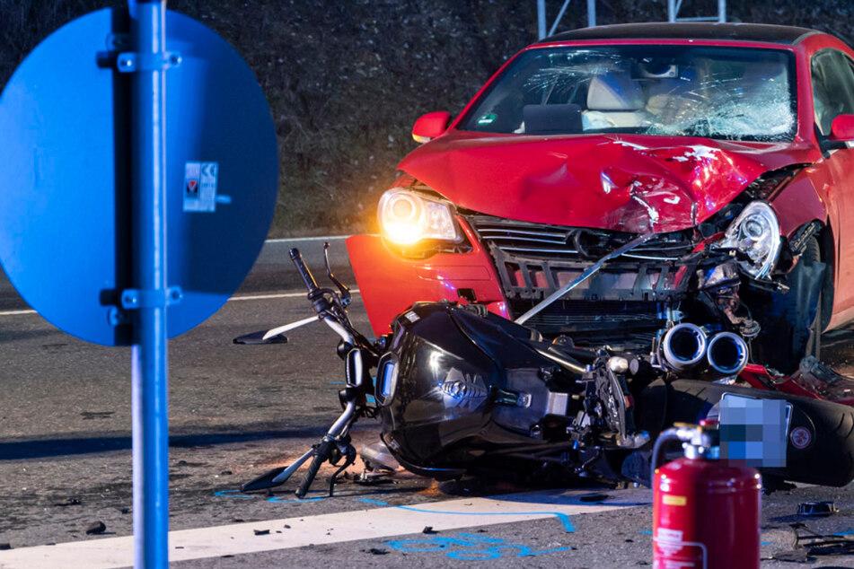 Horrorunfall: 54-jähriger Ducati-Fahrer stirbt bei Frontalcrash
