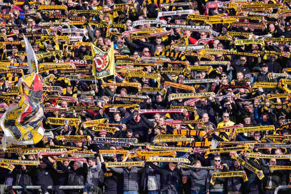 Dresden: 70 Dynamo-Fans wollen Demonstration am Hauptbahnhof stürmen