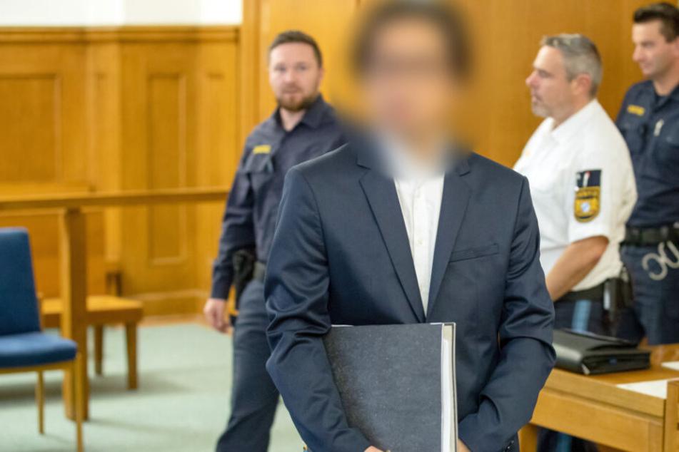 Schülerinnen vergewaltigt? Sänger (51) des Nürnberger Staatstheaters vor Landgericht