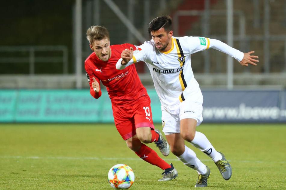 In Zwickau feierte Marco Terrazzino (r., gegen Mike Könnecke) sein Debüt im Dynamo-Dress.
