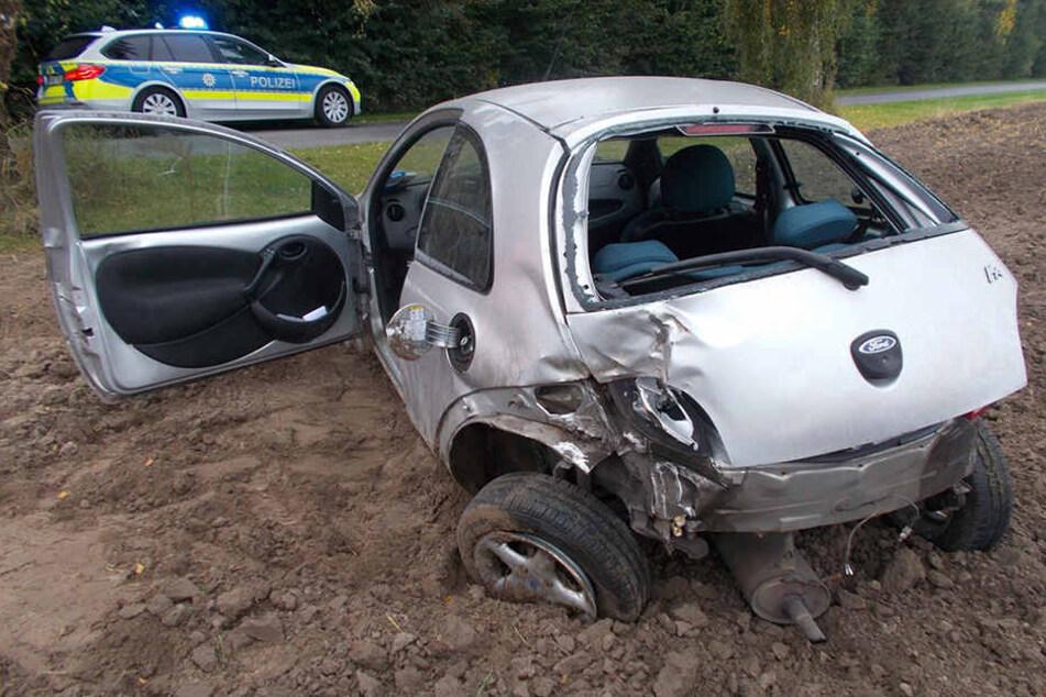 Der Ford Ka wurde bei dem Crash komplett zerstört.