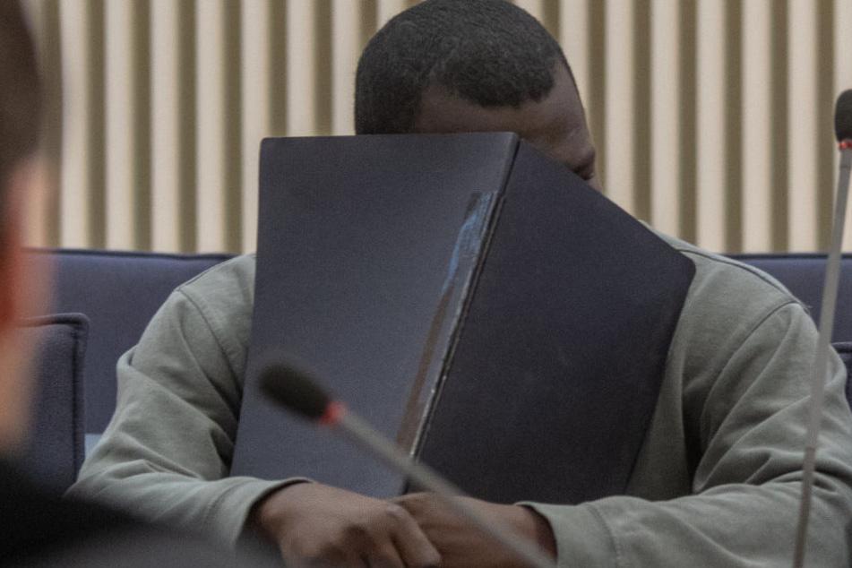 Die Anklage fordert eine Verurteil des Mannes wegen Mordes.