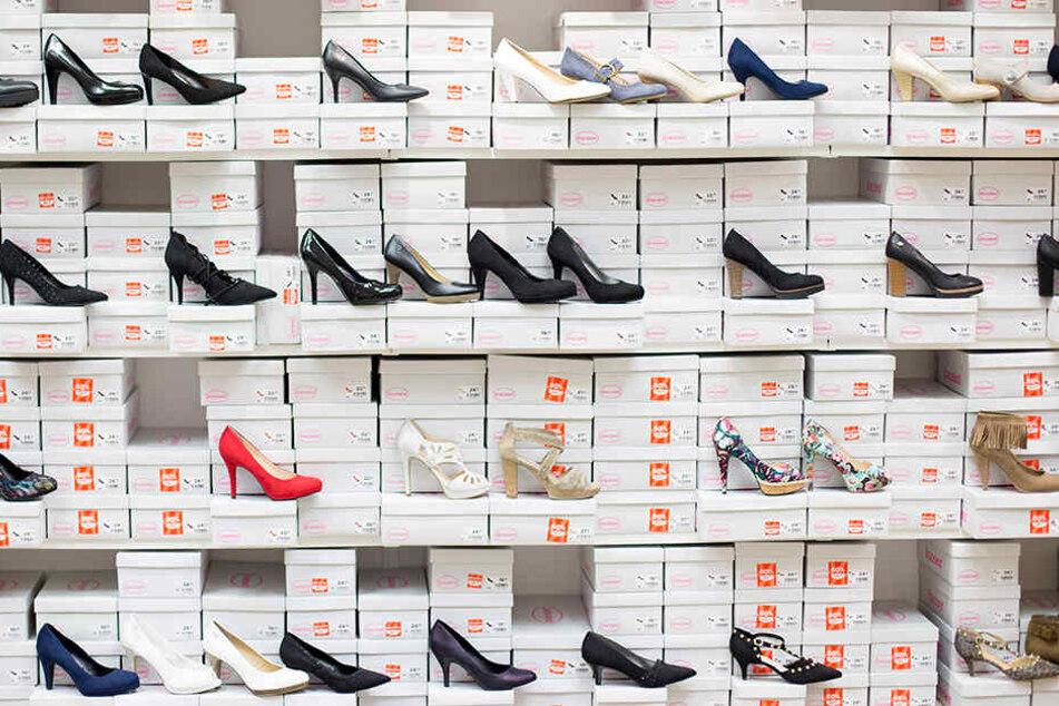 Schuhe wohin das Auge reicht. Doch bei CCC ist jetzt Schluss. (Symbolbild)
