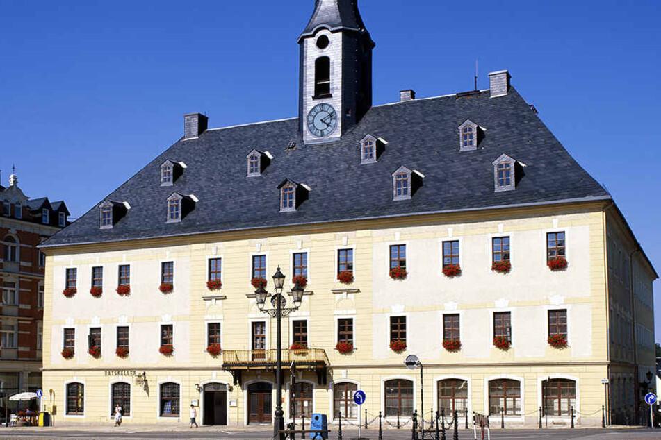 Die Stadtverwaltung Annaberger hat jetzt ein Alkoholverbot rund um den Schutzteich durchgesetzt.