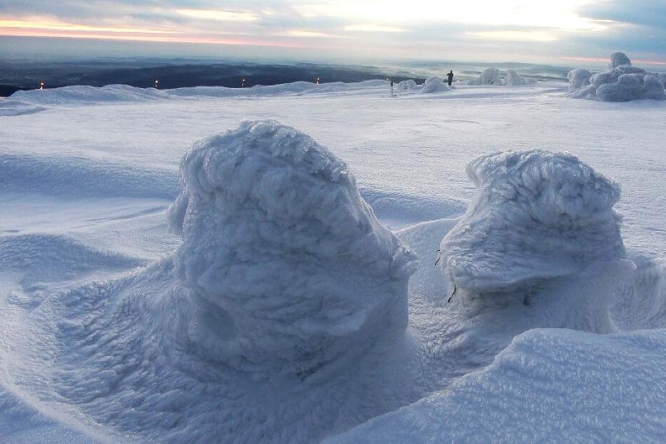 Auf dem Brocken sind wunderschöne Eisskulpturen entstanden.