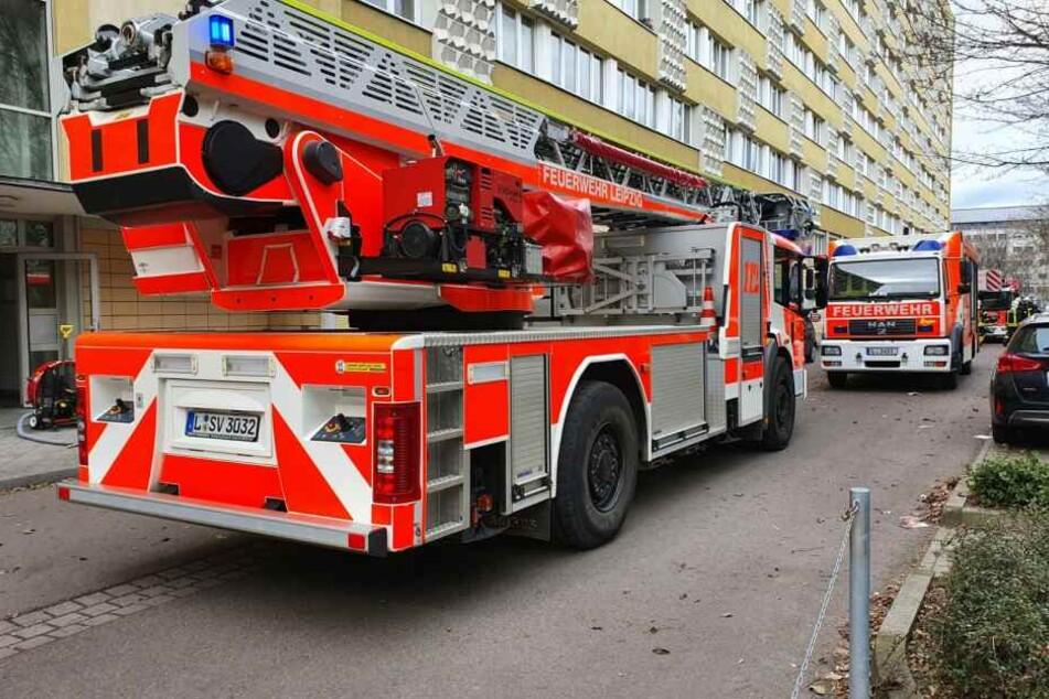 Mittagessen geht in Flammen auf: Verletzter bei Brand in Leipziger Hochhaus