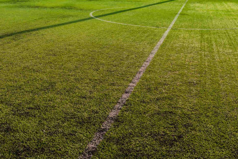 Der Spieler darf ein Jahr kein Pflichtspiel bestreiten. (Symbolbild)