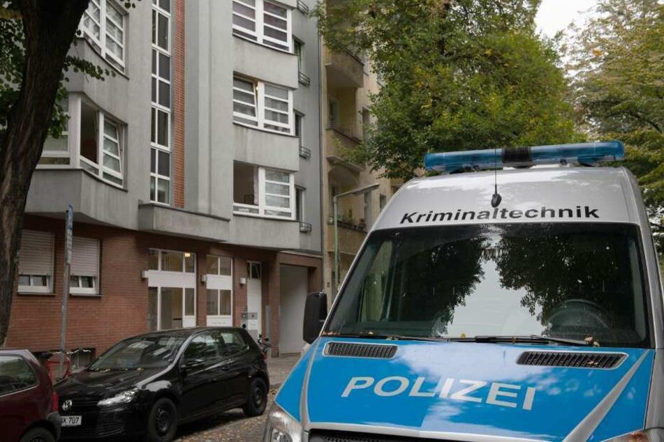 Auch die Kriminalpolizei machte sich ein Bild vor Ort. (Symbolbild)