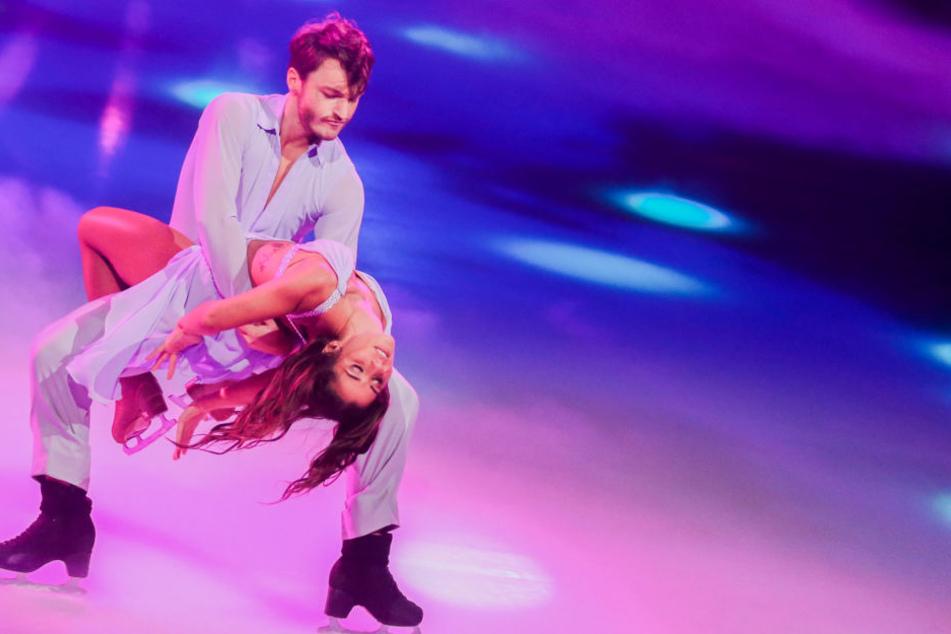 Sarah Lombardi mit Eis-Tanzpartner Jogi Polizoakis.