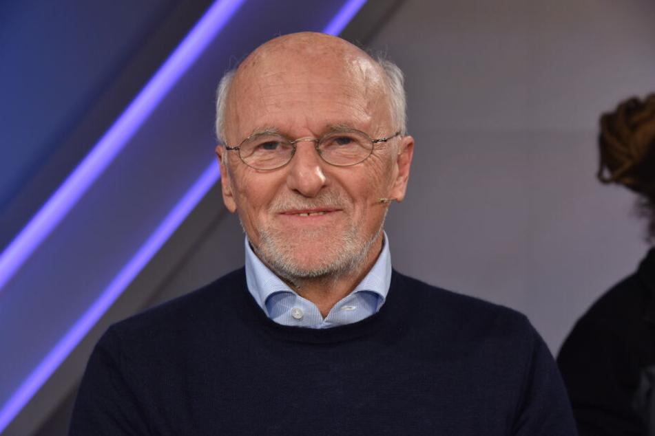 Dirk Roßmann verschenkt 25.000 Klima-Bücher und bringt die Website des Drogeriemarktes damit zum Erliegen.