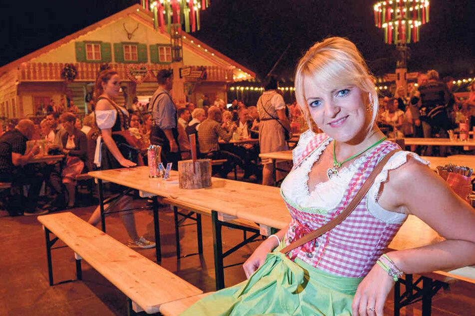 Für die Oktoberfest-Sause im Pichmännel-Zelt bestellte sich Vicky Martini (29) ihr Dirndl im Internet.