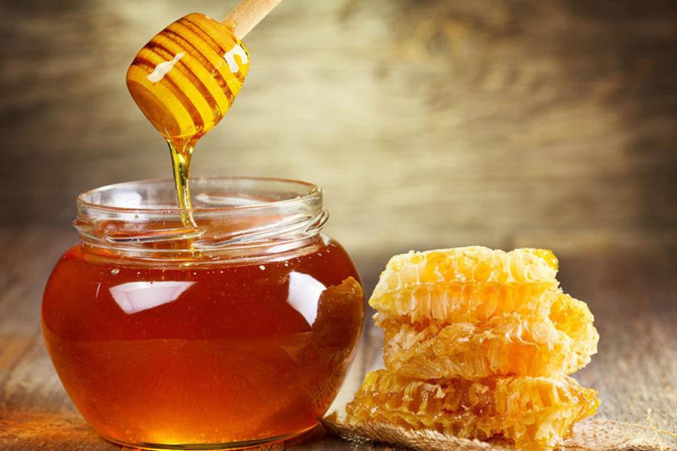 Honig ist ein gutes Beispiel für nahezu sinnlose MHD - er ist unter Umständen jahrelang haltbar.