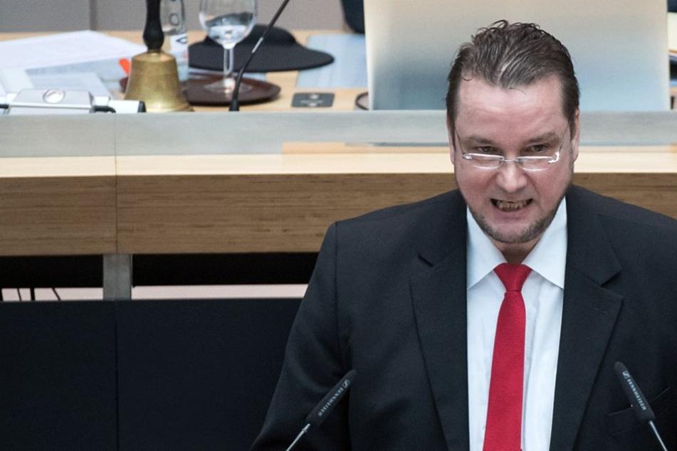 Andreas Wild während einer Rede im Berliner Abgeordnetenhaus.