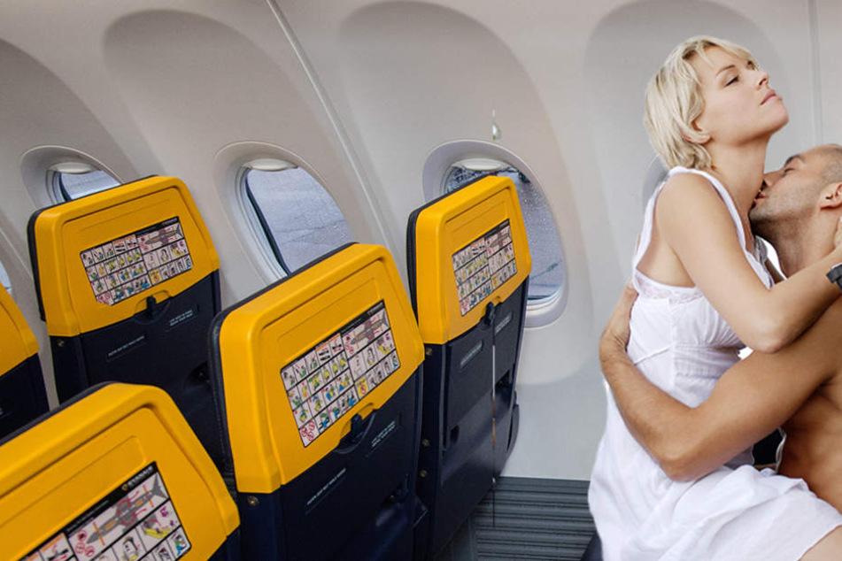 Flitterwochen? Paar liefert mitten im Flugzeug sexy Show