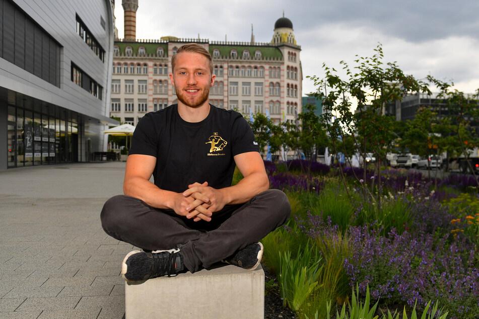 Lukas Wucherpfennig durchlief die Jugend-Abteilung des THW Kiel, spielte fünf Jahre für den HSC Coburg und hat jetzt einen 2-Jahres-Vertrag beim HC Elbflorenz unterschrieben.