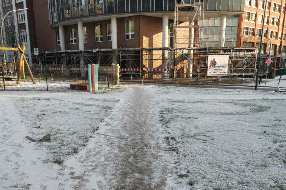 Der Beweis: Am 2. Januar lag zumindest in Teilen Hamburgs wie hier am Hafen eine ganz dünne Schneedecke.