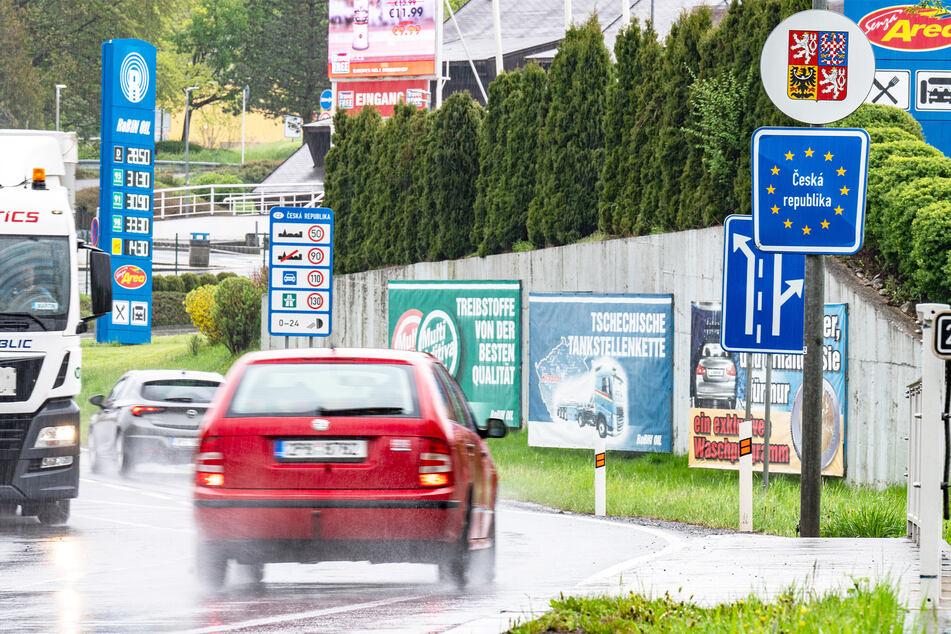 Im bayerischen Furth im Wald herrschte reger Grenzverkehr.