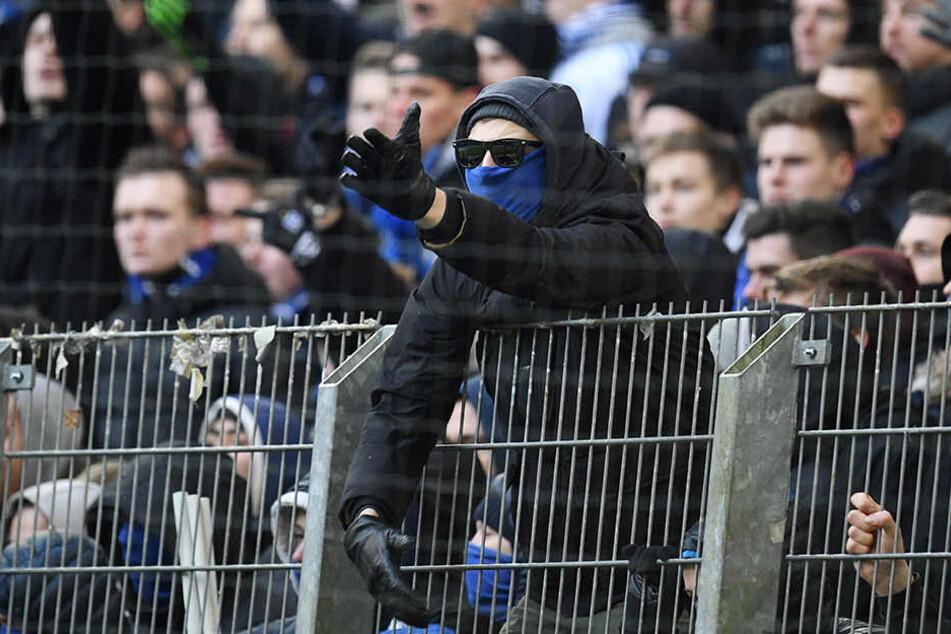 Im Block der Ultras kam es nach dem Schlusspfiff zu Auseinandersetzungen.