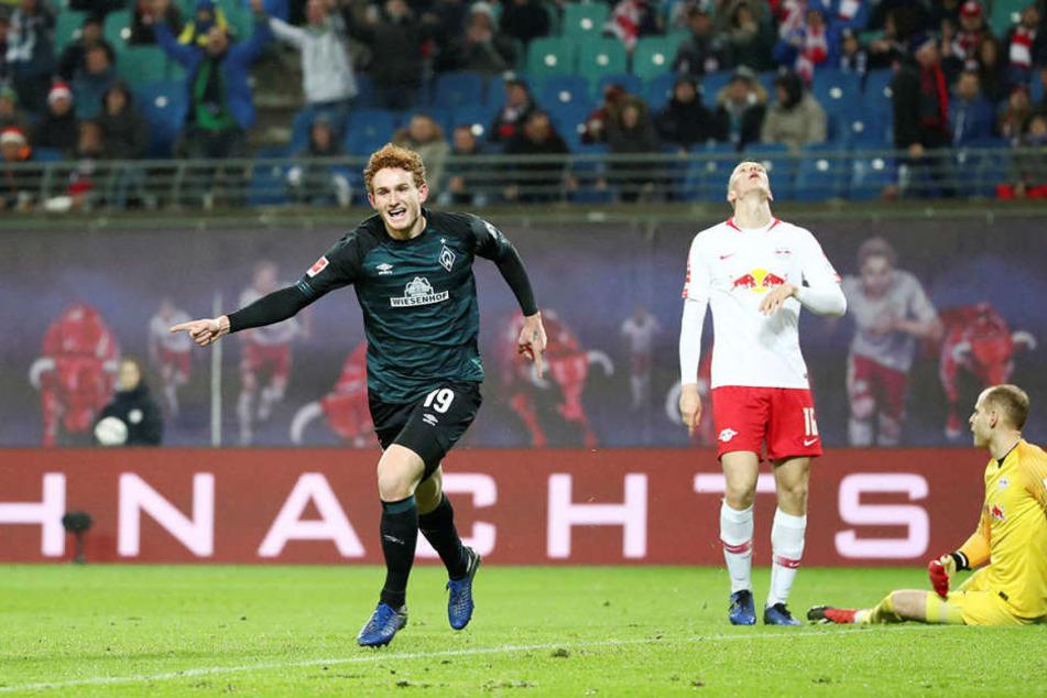 Der eingewechselte Josh Sargent (l.) konnte nach 0:2-Rückstand noch das 2:2 für Werder Bremen erzielen. Doch RB schlug nochmals zu.