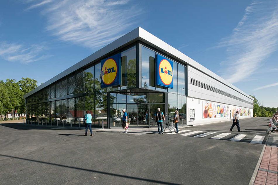 """In Radeburg eröffnete am Donnerstag die """"Lidl-Filiale der Zukunft"""", die ein  """"besseres Einkaufsgefühl"""" als bislang gewohnt bieten soll."""