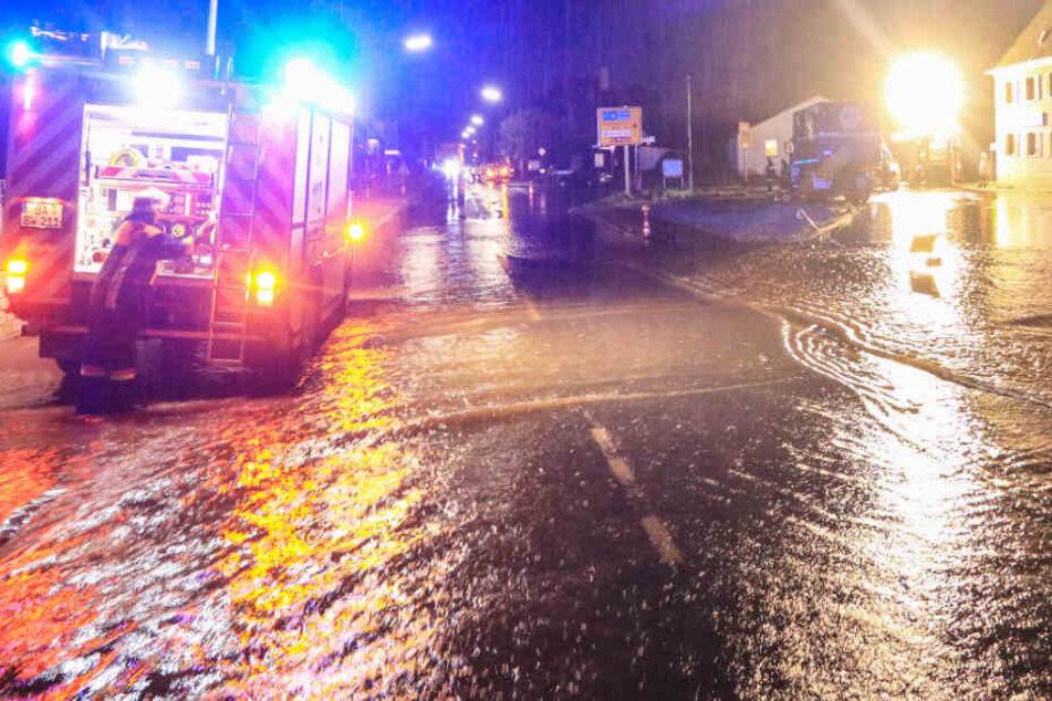 In Bayern wurden aufgrund von heftigen Regenfälle teils ganze Ortschaften überflutet.