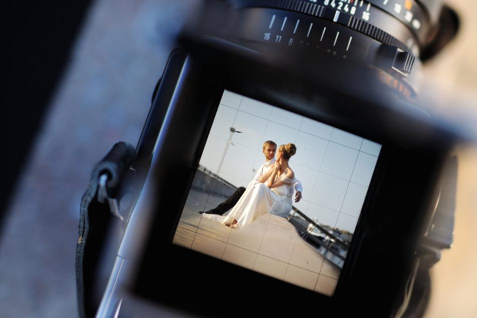 Hochzeits-Fotografin löscht alle Bilder im Beisein des Bräutigams