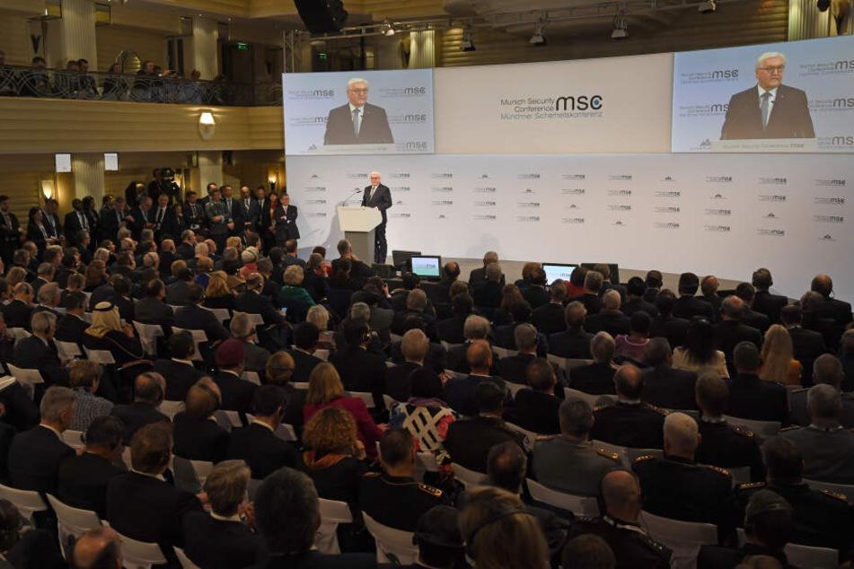 Zum wichtigsten Expertentreffen zur Sicherheitspolitik werden etwa 35 Staats- und Regierungschefs sowie fast 100 Außen- und Verteidigungsminister erwartet.