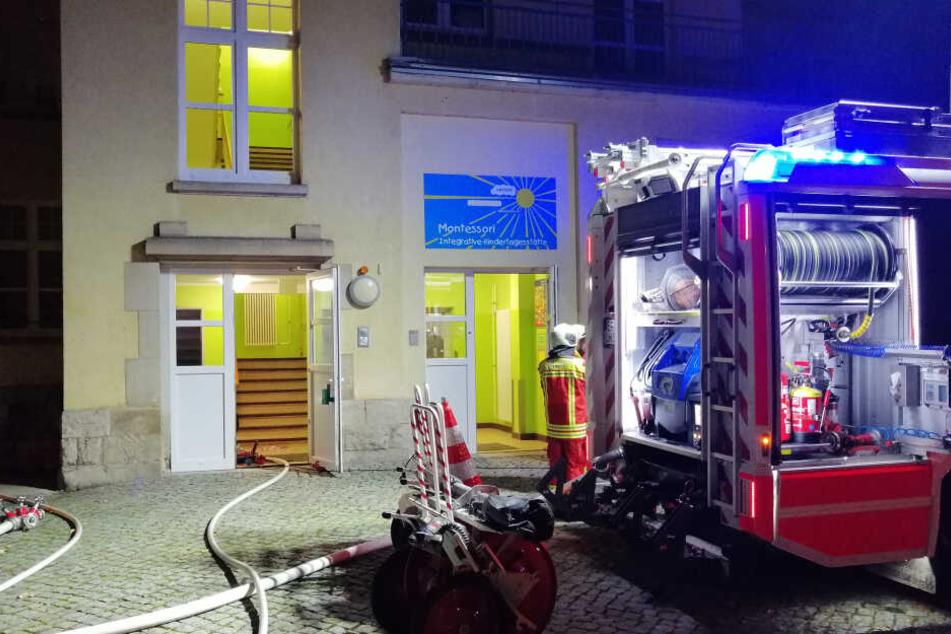 Feuer im Keller! Kindergarten auf Klinik-Gelände brennt