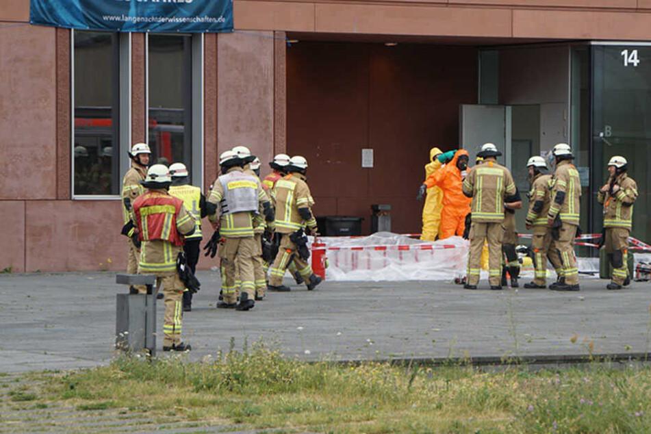 """Die Lage hat sich laut Feuerwehr entspannt. Man hätte inzwischen """"Alles im Griff""""."""