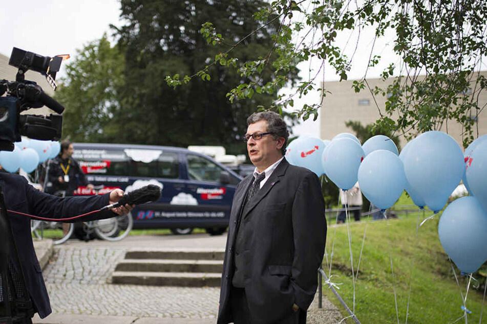 Carsten Hütter (52) hat wegen einer Vergewaltigung bei der Staatsregierung angefragt.