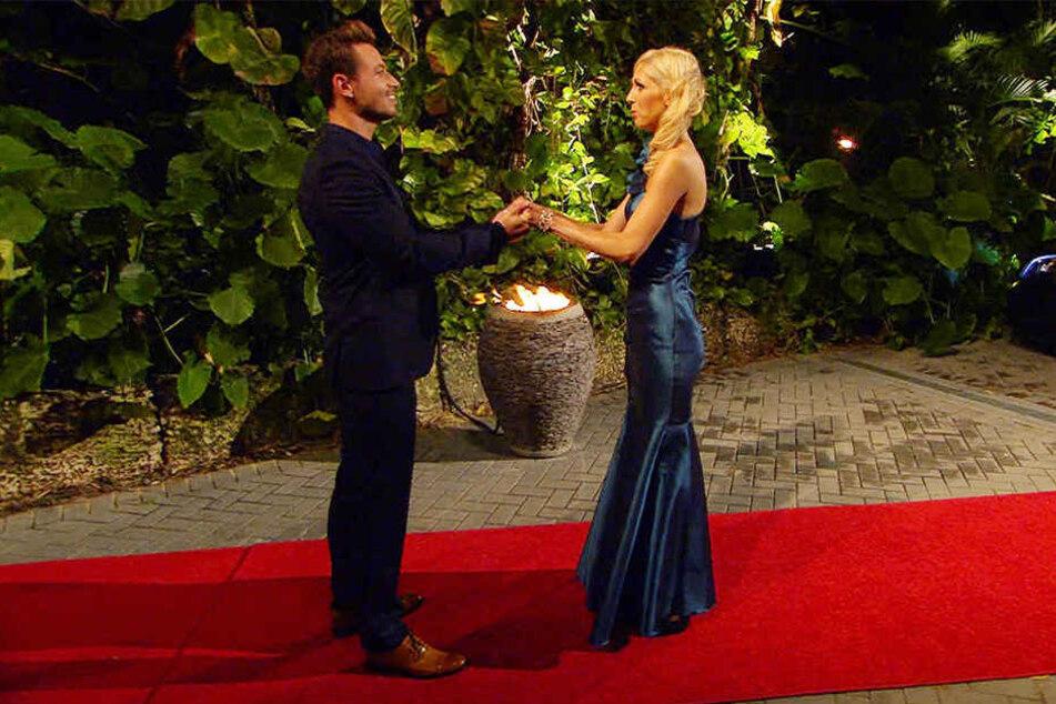 In Florida treffen Susanna und der 30-jährige Bachelor zum ersten Mal aufeinander.