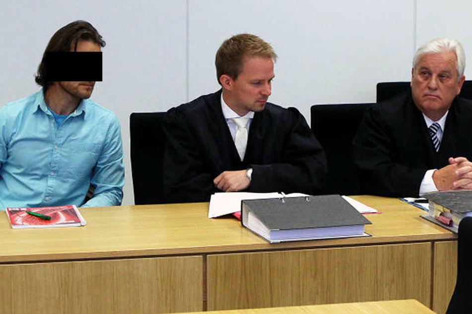 Im Gerichtssaal wurde dem Angeklagten eine Karenzzeit eingeräumt.