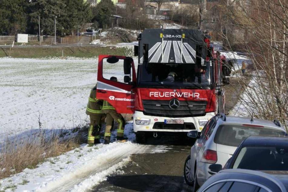 Feuerwehrkameraden am Einsatzort.