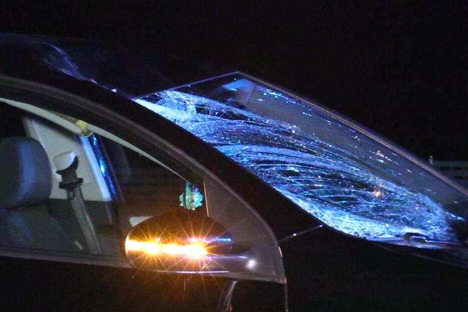 Tragischer Unfall! Radfahrer wird von Auto erfasst und stirbt