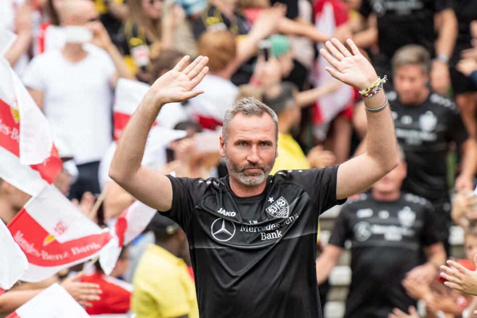 VfB Stuttgart-Cheftrainer Tim Walter beim Trainingsauftakt in die Zweitliga-Saison. (Archivbild)