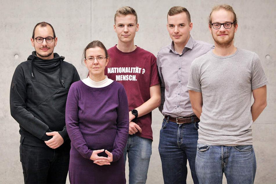 """""""Herz statt Hetze""""-Sprecherin Rita Kunert (58) ruft mit zahlreichen Initiativen zum Protest gegen Pegida auf."""