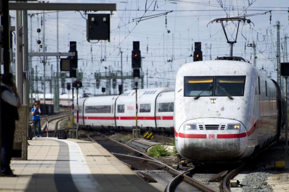 Viel Häme, weil massenhaft Züge wegen einer Krankmeldung ausfallen: Jetzt wehrt sich die Deutsche Bahn