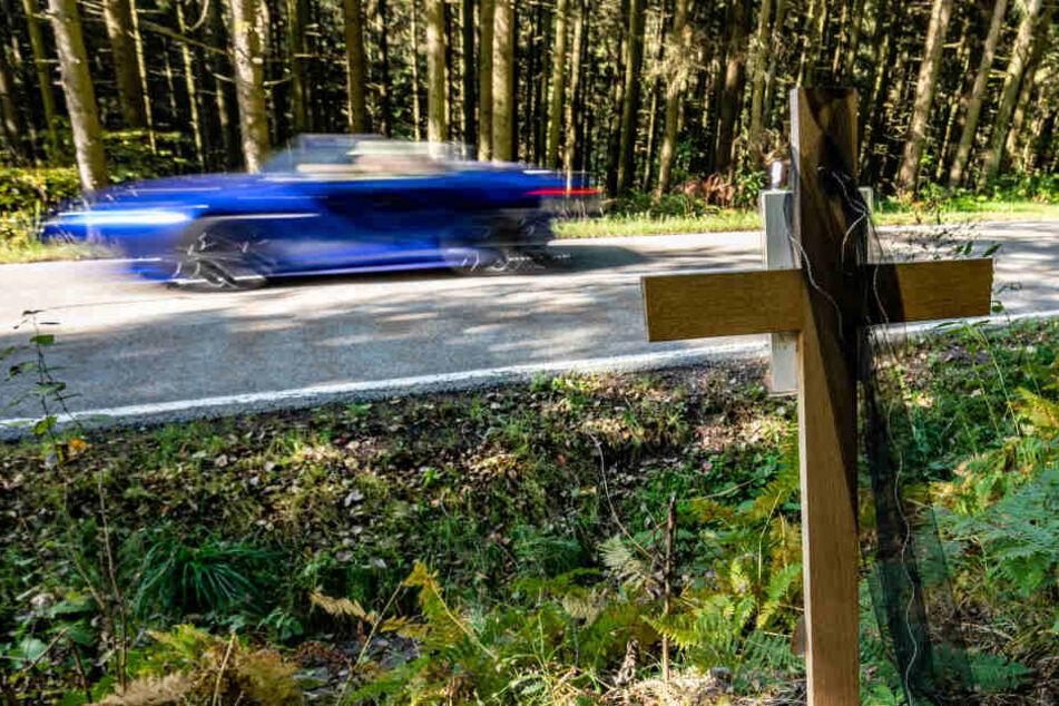 Emotionaler Prozess um tödliches Rennen: Raser zeigen Reue, Staatsanwalt empört